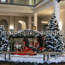 018_weihnachtslandschaft_mit_bewgl_figuren