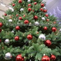 007-2_premium_weihnachtsbaum-_500cm_mit_led_kugeln_detail
